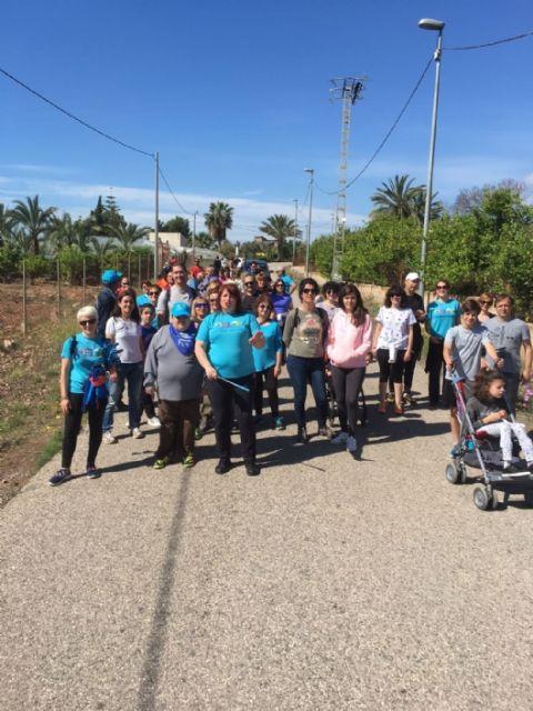 Más de un centenar de personas apoya las enfermedades raras participando en la V Caminata popular organizada por AELIP en Totana, Foto 4