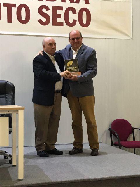 El presidente de COATO recibe la Almendra de Oro, Foto 2