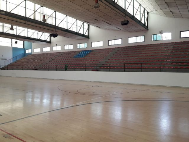 "Repaint all the facilities of the Sports Pavilion ""Manolo Ibáñez"""