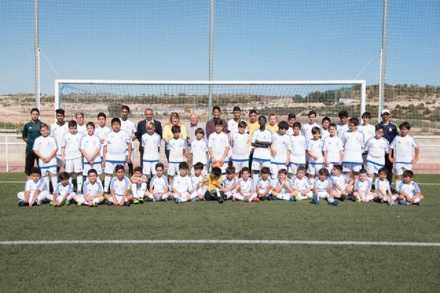 70 alumnos se forman en la escuela deportiva de la Fundación Real Madrid en Mazarrón - 3, Foto 3