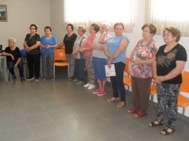 Se clausura el programa de Gimnasia para Mayores en El Paretón, con la entrega de diplomas, Foto 2