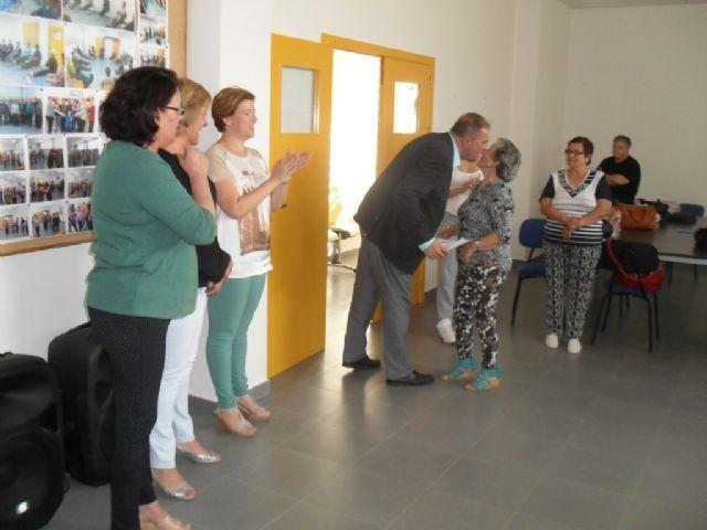 Se clausura el programa de Gimnasia para Mayores en El Paretón, con la entrega de diplomas, Foto 3