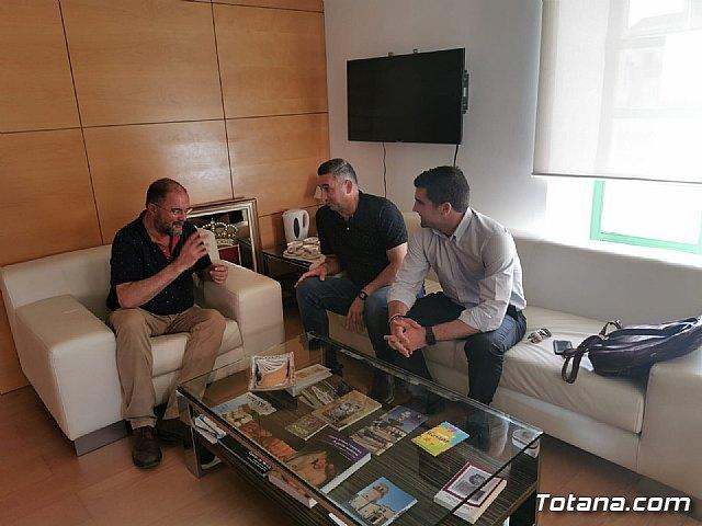 La nueva Junta Directiva del Ol�mpico de Totana mantiene su primera toma de contacto con el Alcalde de Totana, Foto 2