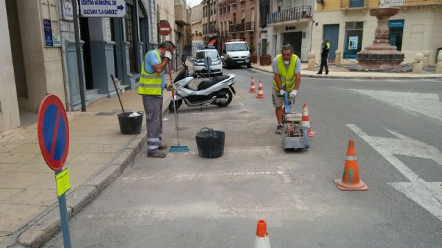 They enable more parking spaces for motorcycles and mopeds in Calle del Pilar, eliminating existing ones in the Plaza de la Constitución, Foto 5