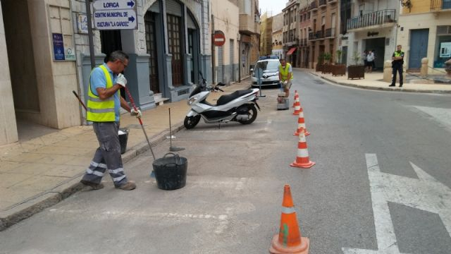 They enable more parking spaces for motorcycles and mopeds in Calle del Pilar, eliminating existing ones in the Plaza de la Constitución, Foto 6