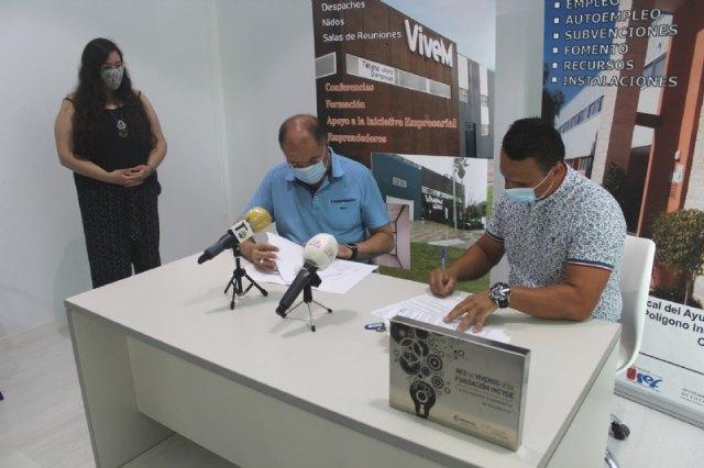 Suscriben un nuevo contrato de cesión de uso temporal de una nave del Vivero de Empresas a otra nueva mercantil emprendedora - 2, Foto 2