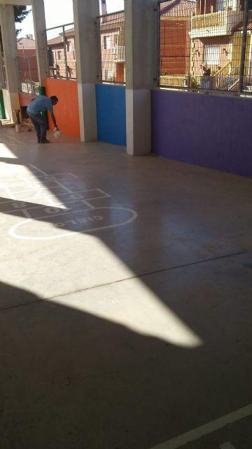 Acometen numerosas actuaciones de mejora y acondicionamiento en los colegios de Totana coincidiendo con las vacaciones escolares de verano, Foto 2
