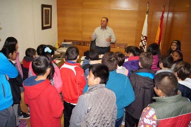 Se volverá a ofertar en el curso escolar 2016/17 el programa Conoce tu ayuntamiento, Foto 1