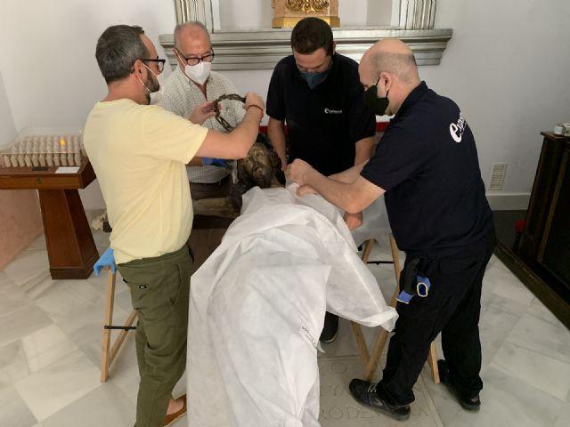 El Cristo de las Ánimas abandona el templo de San Javier para ser restaurado en el Centro de Restauración de la Región de Murcia - 3, Foto 3