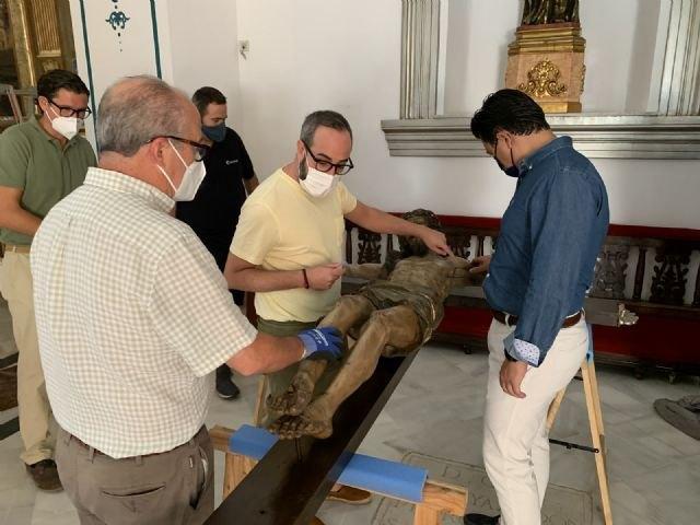El Cristo de las Ánimas abandona el templo de San Javier para ser restaurado en el Centro de Restauración de la Región de Murcia - 1, Foto 1