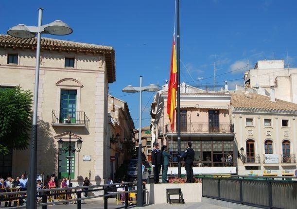 El Ayuntamiento de Totana volverá a celebrar el próximo 12 de octubre el acto institucional de homenaje a la Bandera de España, Foto 1