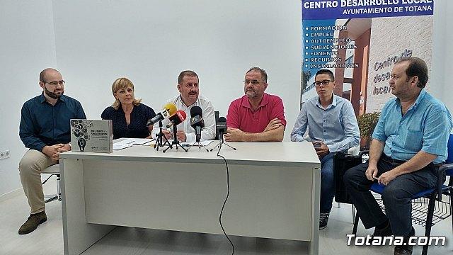 Se suscriben dos nuevos contratos con empresarios para que se instalen en sendas naves del Vivero de Empresas, Foto 2