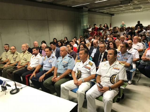 Exposición: Defensa nacional. La adaptación permanente de las Fuerzas Armadas hasta el 19 de octubre - 2, Foto 2