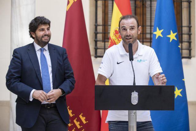 López Miras: Alejandro Valverde ha conseguido que un millón y medio de murcianos se sientan orgullosos de su región, Foto 3