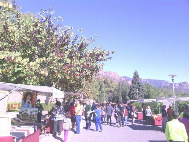 Este domingo se celebr� el tradicional Mercadillo Artesano de La Santa con la asistencia de numeroso p�blico gracias al buen tiempo, Foto 6