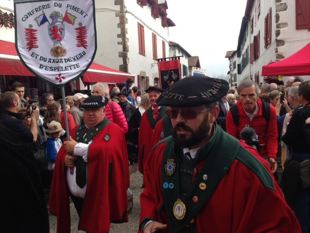 Visita de un representante de la DO Piment�n de Murcia a las fiestas del pimiento de Espelette (Francia), Foto 1