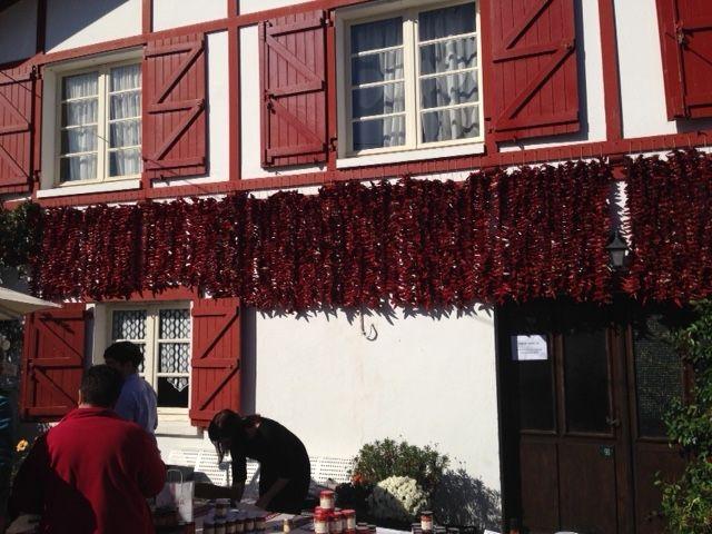 Visita de un representante de la DO Piment�n de Murcia a las fiestas del pimiento de Espelette (Francia), Foto 4