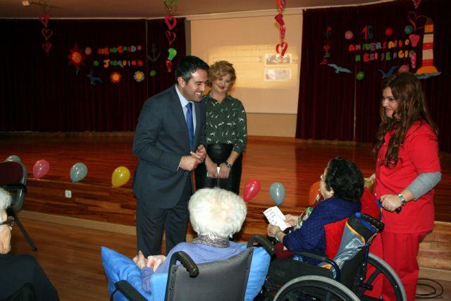 La Residencia Virgen de la Salud, cierra sus conmemoraciones del XVI aniversario, con el alcalde de Alcantarilla, en Déjame conocerte - 3, Foto 3