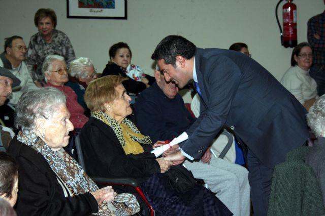 La Residencia Virgen de la Salud, cierra sus conmemoraciones del XVI aniversario, con el alcalde de Alcantarilla, en Déjame conocerte - 4, Foto 4