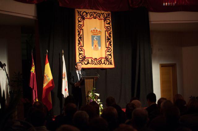 Navarro Campillo inaugura oficialmente las fiestas con un pregón de esencia local y de admiración por la patrona, Foto 1