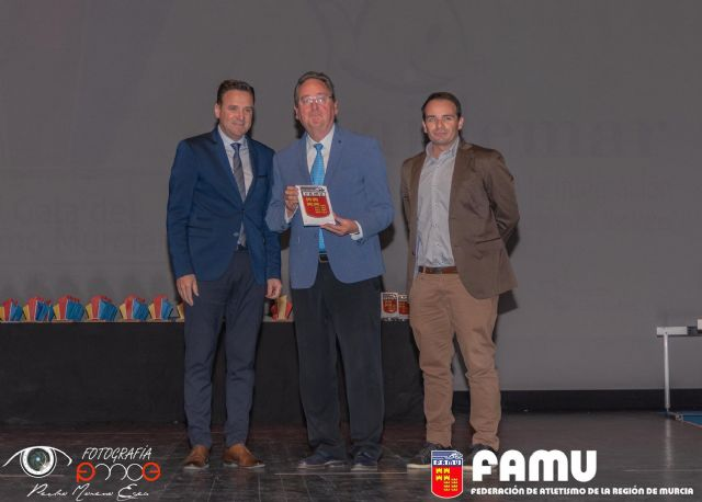 La Asociación AIDEMAR premio al espíritu olímpico de la Federación Murciana de Atletismo - 1, Foto 1