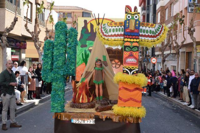 La Peña el Tolin gana el primer premio del desfile de carrozas de las fiestas patronales, Foto 5