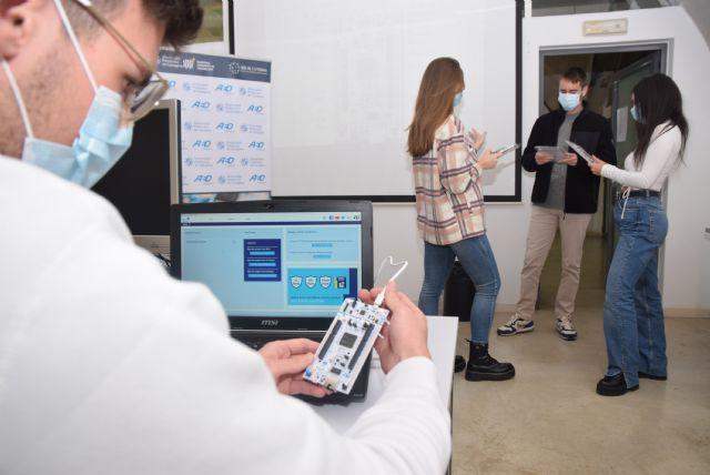 AED Embedded enseña a estudiantes de la UPCT a programar para la industria del automóvil - 1, Foto 1