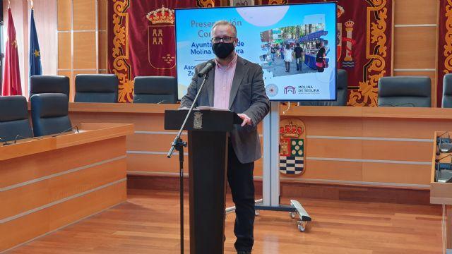El Ayuntamiento de Molina de Segura firma un convenio de subvención nominativa con la Asociación de Amigos del Zoco del Guadalabiad para promocionar el sector artesano local en 2020 - 4, Foto 4