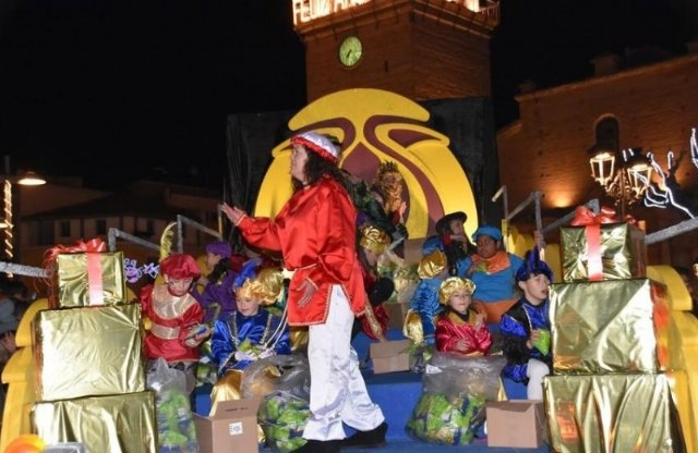 The Three Kings' Cavalcade is ahead this year one hour, so it will be held this Sunday, at 6:00 pm, Foto 4
