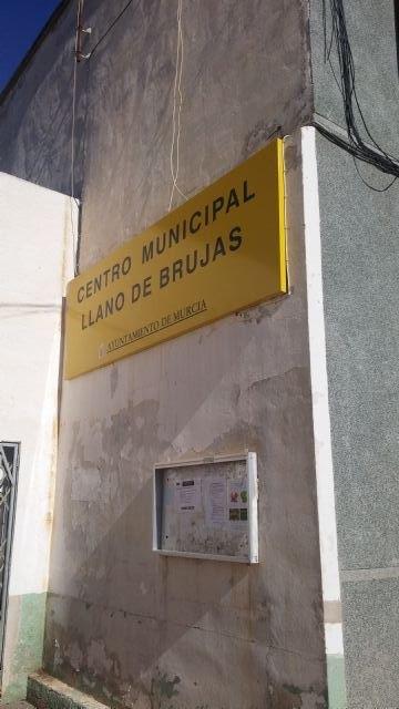 El PSOE reclama unas mejoras instalaciones para el Centro Municipal de Llano de Brujas - 4, Foto 4