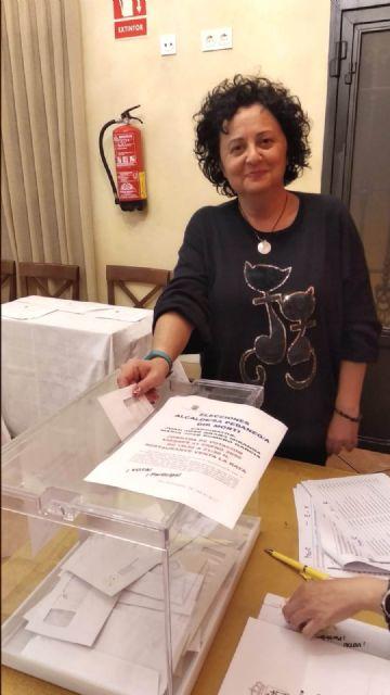 Mar�a Jos� Romero es elegida, de nuevo, alcaldesa ped�nea de Mort� para esta legislatura, Foto 2