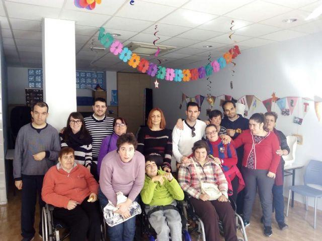 Usuarios del Centro de día José Moyá Trilla visitan el Centro Multidisciplinar Celia Carrión Pérez de Tudela, Foto 2