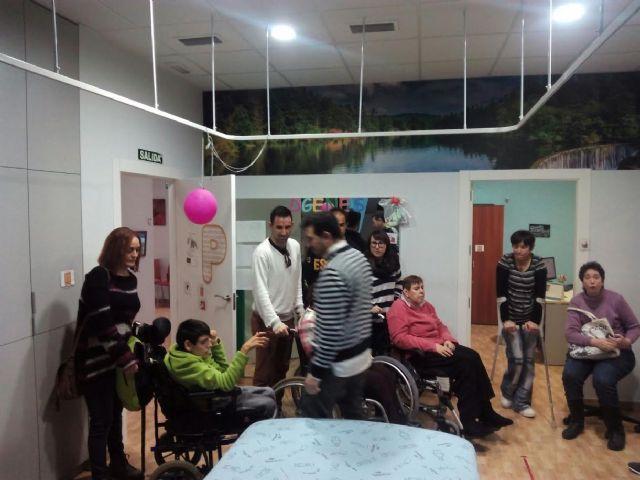 Usuarios del Centro de día José Moyá Trilla visitan el Centro Multidisciplinar Celia Carrión Pérez de Tudela, Foto 3