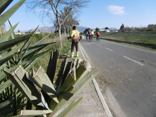 El Ayuntamiento revisa los 26,5 kilómetros del carril bici entre Beniel y la Contraparada - 1, Foto 1