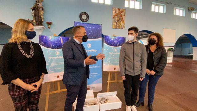 Entrega de cestas de productos del mar a los ganadores del concurso promocional organizado por la Comunidad y las cofradías de pescadores - 1, Foto 1