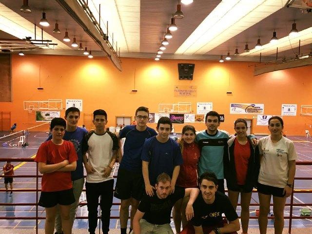 Este fin de semana los jugadores absolutos y sub17 del club bádminton Totana se desplazaron hasta la localidad de Alhaurín de la Torre (Málaga), Foto 1