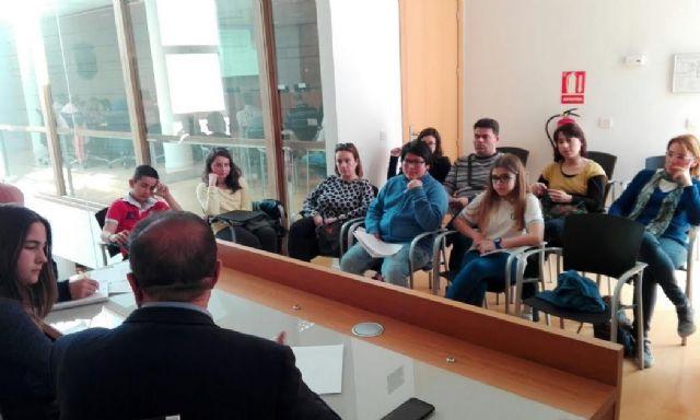 El Gobierno municipal da cuenta de las últimas actuaciones y gestiones municipales en el transcurso de la comisión de seguimiento del Pleno infantil, Foto 2
