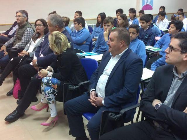Autoridades regionales y municipales asisten a la presentación del proyecto Tierra y agua, Foto 4