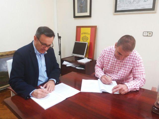 El Ayuntamiento firma el contrato para construir el comedor del colegio Sierra Espuña, Foto 2