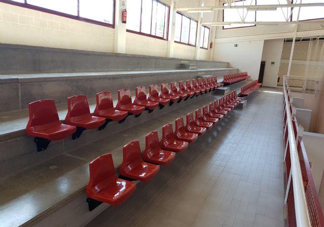 Las gradas del Pabellón Deportivo estrenan 124 nuevos asientos - 1, Foto 1