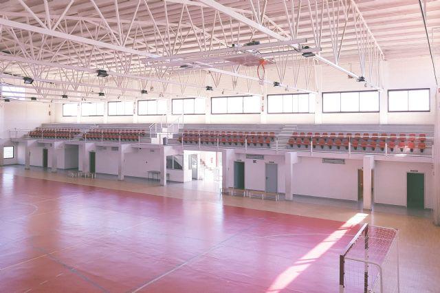 Las gradas del Pabellón Deportivo estrenan 124 nuevos asientos - 2, Foto 2