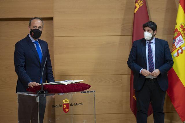 [López Miras destaca el objetivo principal de dejar atrás la pandemia y la crisis económica y social con un Gobierno más fuerte y unido, Foto 4