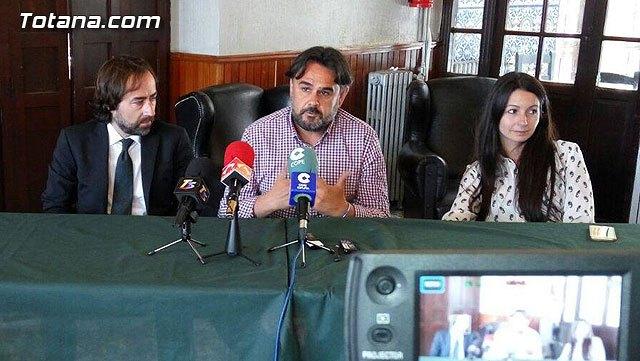 Rueda de prensa Jos� Mart�nez Andreo y sus abogados, Foto 1