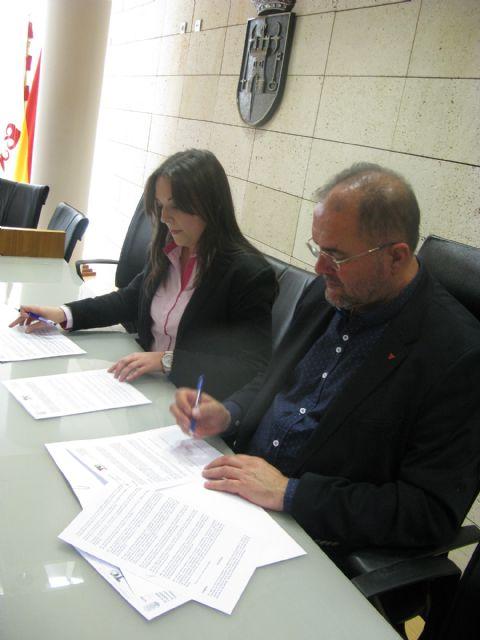 El Ayuntamiento suscribe un convenio de colaboración con PADISITO, Foto 2