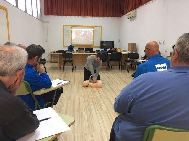 Técnicos de la Concejalía de Deportes aprenden el uso y gestión de los desfibriladores, Foto 4