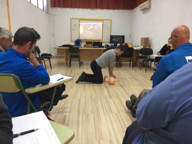 Técnicos de la Concejalía de Deportes aprenden el uso y gestión de los desfibriladores, Foto 8
