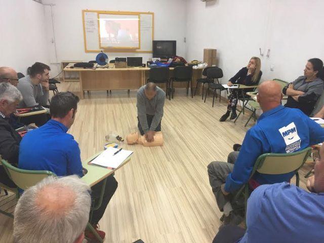 Técnicos de la Concejalía de Deportes aprenden el uso y gestión de los desfibriladores, Foto 9