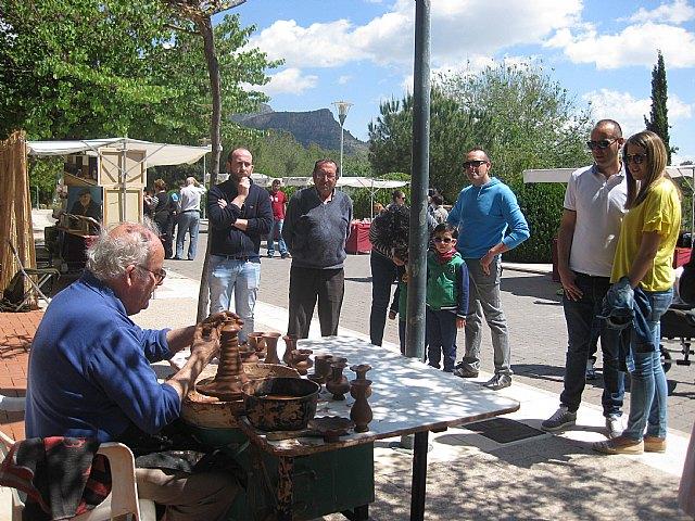 Se celebra el dominical Mercadillo Artesano de La Santa con el que arranca la temporada de primavera, Foto 1