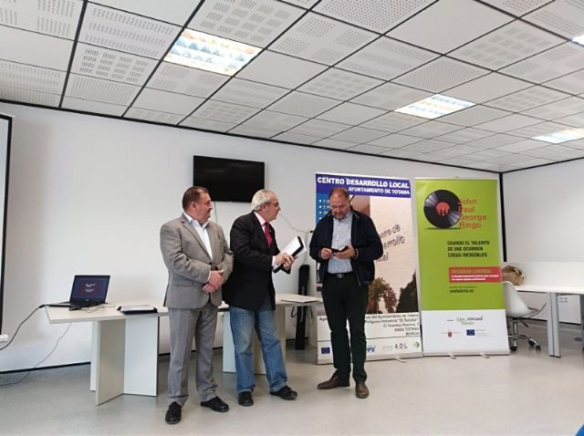 "AMUSAL presents its new project in the Vivero de Empresas de Totana to boost the acceleration of the social economy ""Unite talent"""