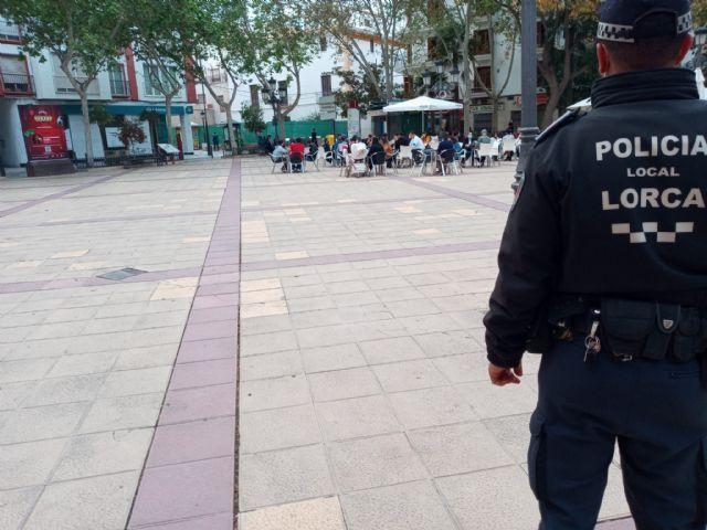 La Policía Local interpuso 143 denuncias la pasada semana por no respetar las medidas anticovid, de las que 81 son por incumplimiento del uso obligatorio de mascarillas - 1, Foto 1
